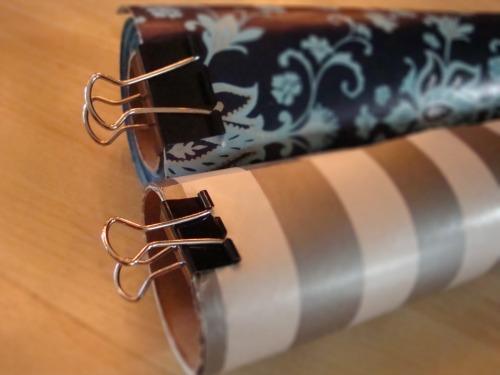 Канцелярские прищепки/зажимы для бумаг как держатель для рулонов оберточной бумаги