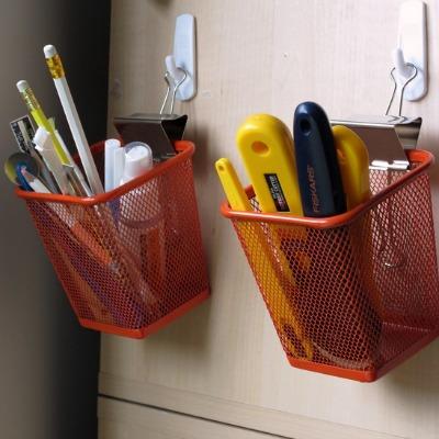 Канцелярские прищепки/зажимы для бумаг как крючок для навесной тары и прочего, что необходимо повесить на гвоздь, крюк или декоративную кнопку