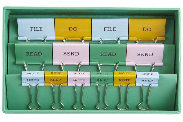 Канцелярские прищепки/зажимы для бумаг как средство для организации папок и бумаг