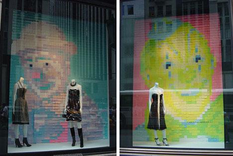 картины из стикеров в витринах магазина