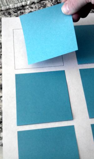 игра со стикерами: найди 2 одинаковых изображения