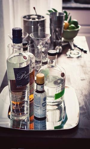 бокалы в первом в жизни баре