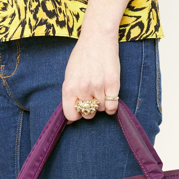 модный тренд 2014: кольца на мизинец и массивные кольца
