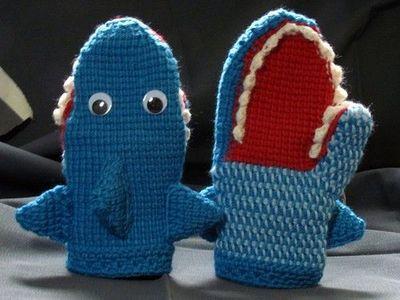 креативные варежки и перчатки для взрослых и детей: акулы - вторая модель