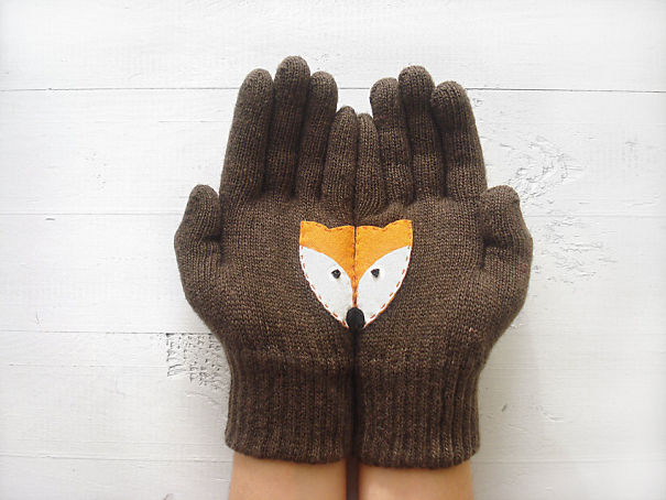 креативные варежки и перчатки для взрослых и детей: перчатки с секретом - половинки лисьей мордоки на ладонях