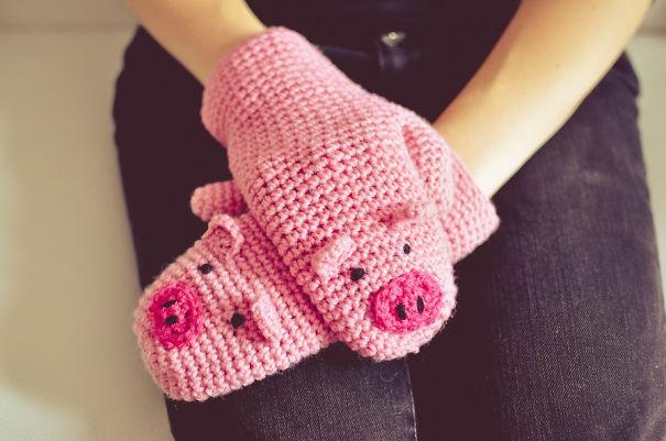 креативные варежки и перчатки для взрослых и детей: поросята