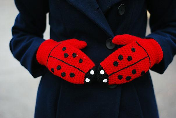 креативные варежки и перчатки для взрослых и детей: варежки-божьи коровки