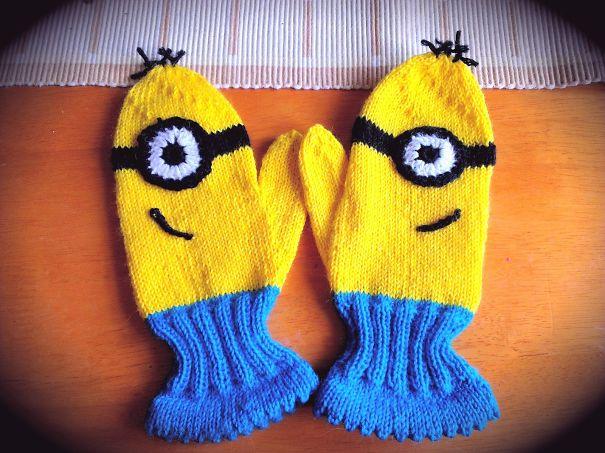 креативные варежки и перчатки для взрослых и детей: варежки-миньоны