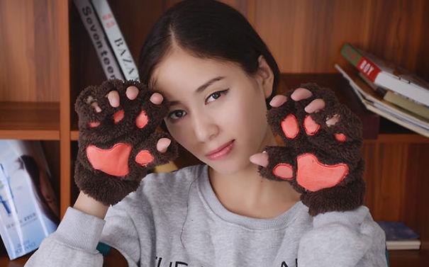 креативные варежки и перчатки для взрослых и детей: натуралистичные перчатки-лапы