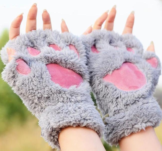 креативные варежки и перчатки для взрослых и детей: перчатки-лапы из детских носков
