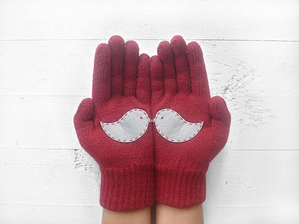 креативные варежки и перчатки для взрослых и детей: перчатки с секретом - целующиеся птички на ладонях