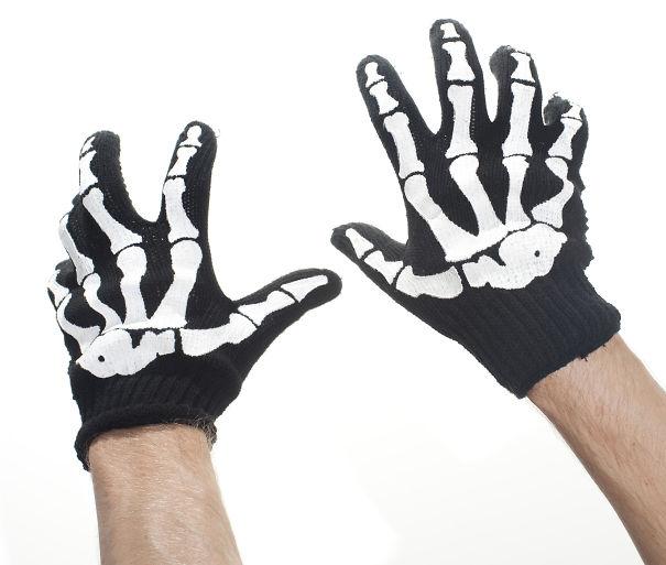 креативные варежки и перчатки для взрослых и детей: теплые перчатки с нашитыми костыми скелета