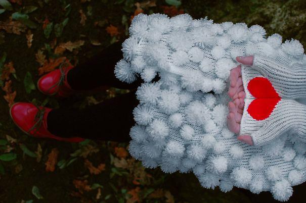 креативные варежки и перчатки для взрослых и детей: перчатки с секретом - половинки сердечка на ладонях