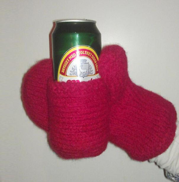 варежки для больших любителей пива с кармашком для банки