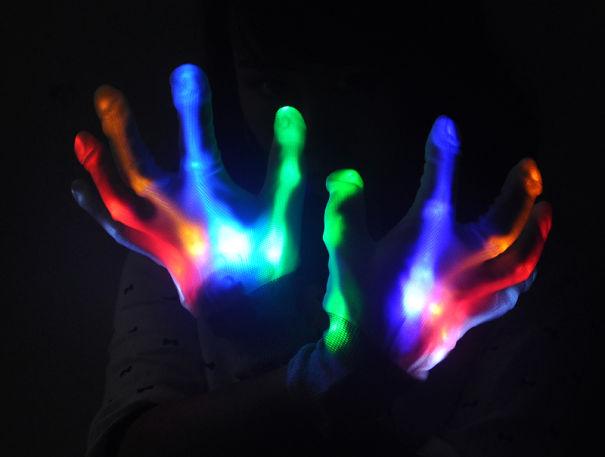 креативные варежки и перчатки для взрослых и детей: светящиеся в темноте перчатки
