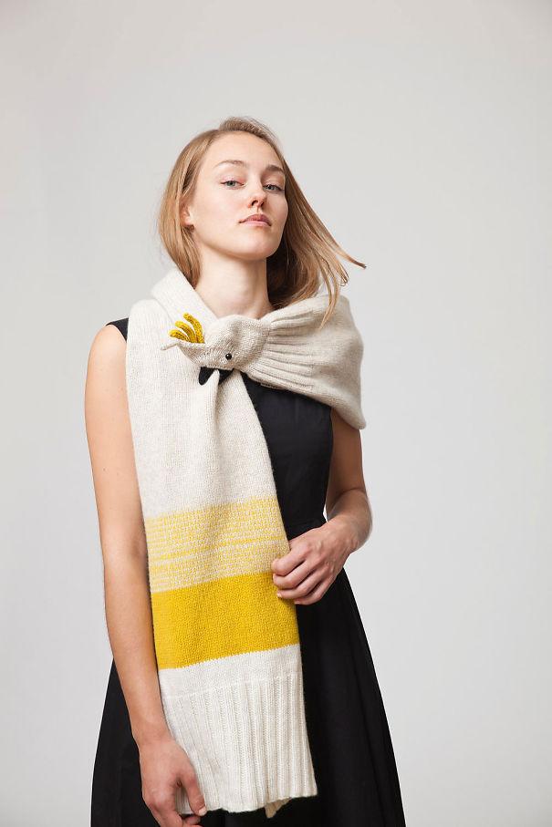 оригинальные зимние шарфы - палантин с головой попугая