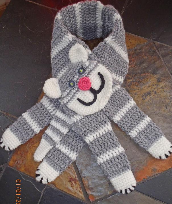 оригинальные зимние шарфы - плоский кот с лапами