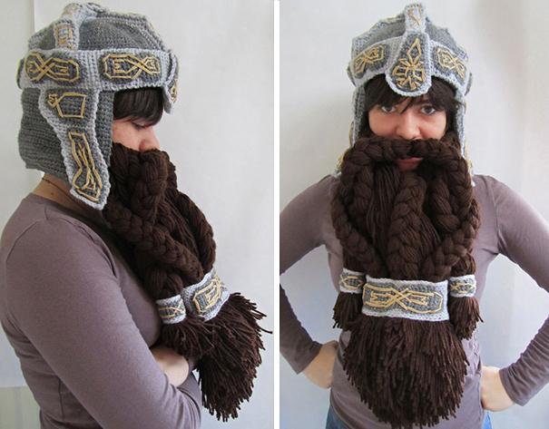 Вязаная шапка-шлем Гимли (гном из «Властелина колец») с бородой