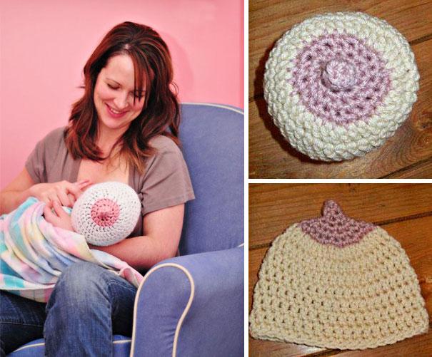 Шапочка в виде женской груди для младенца