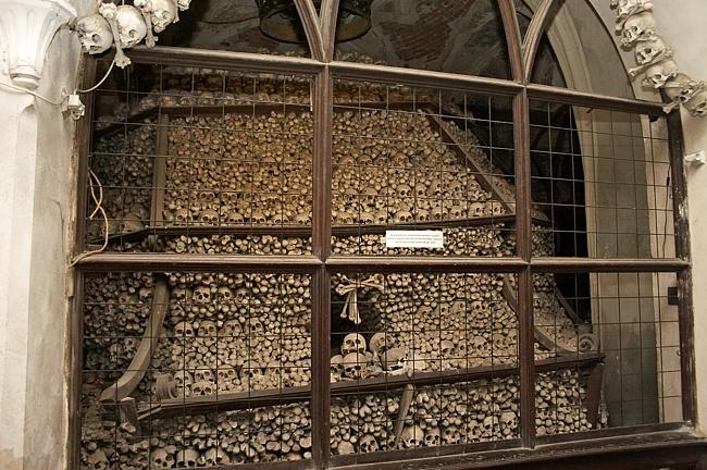 Хранилище костей Костница в городе Кутна-Гора, Чехия