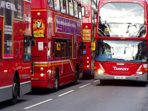 Чтобы увидеть такие автобусы, нужно учить английский