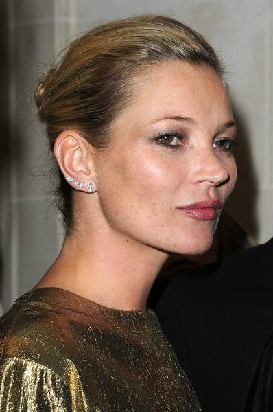 Кейт Мосс (Kate Moss) - модный весной натуральный цвет помады