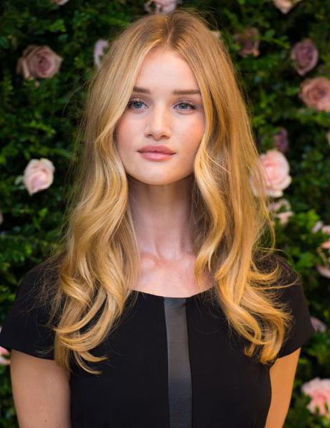 Сладкий, как мед оттенок волос на актрисе и модели Рози Хантингтон-Уайтли (Rosie Huntington-Whiteley)