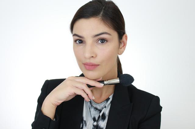 Как правильно нанести макияж для собеседования при приеме на работу