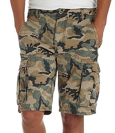 Камуфляжные шорты с набитыми карманАми