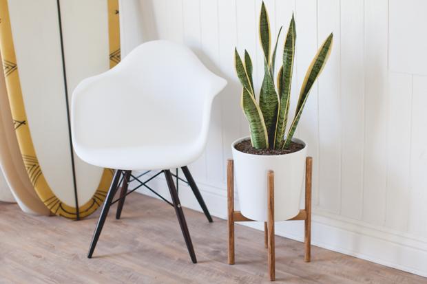 Как сделать минималистичную стойку в стиле модерн для цветочных горшков