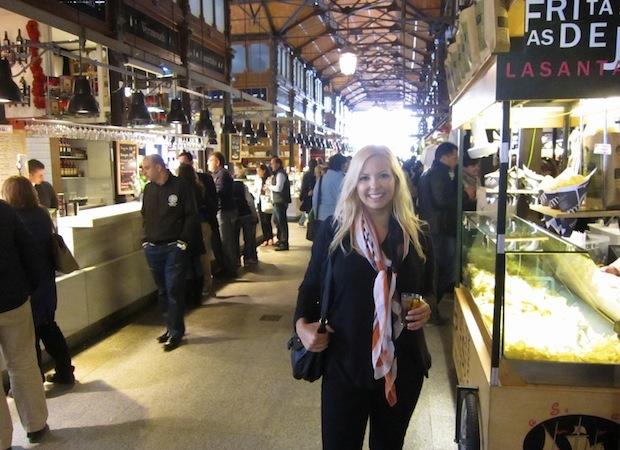 на рынке Меркадо де Сан Мигель в Испании