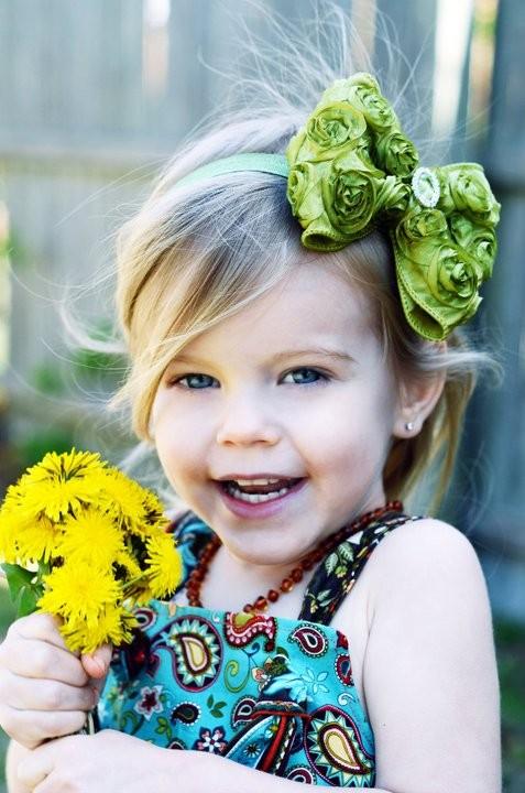 Каждая маленькая девочка в какой-то момент своей жизни проходила через фазу больших бантов на голове