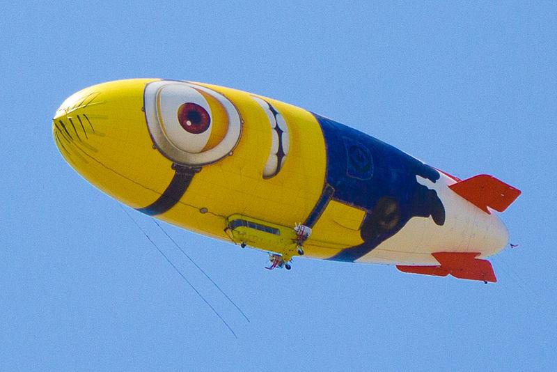 Гадкий я 2 (Despicable Me 2) маркетинг реклама воздушный шар дирижабль миньон