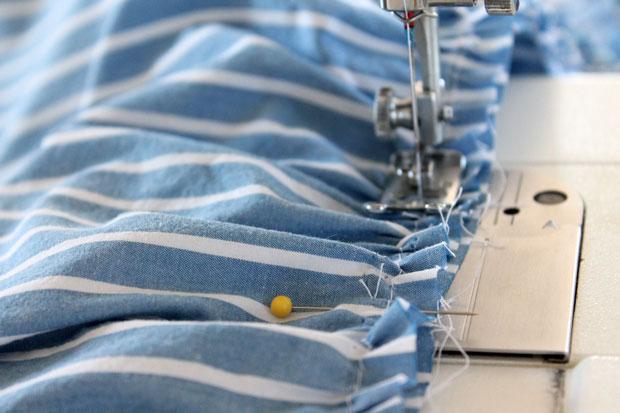 Пришейте нижнюю часть рубашки к поясу