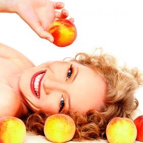 красивая девушка идеальная кожа персики