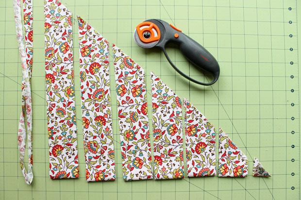 нарезаем ткань на ленты, полоски