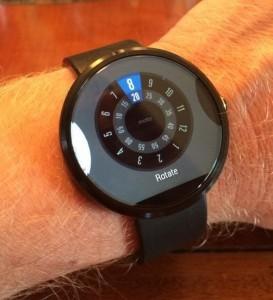 Как выглядят и что из себя представляют новейшие умные часы Motorola Moto 360