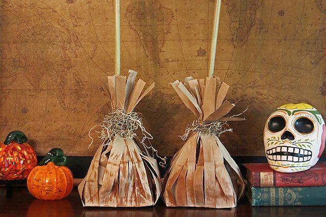 Как сделать тематический подарочный мешок в виде метлы с конфетами на Хэллоуин, вечер по Поттеру или русским традициям
