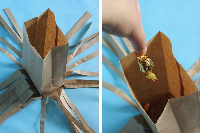 Раскладываем первый разрезанный пакет до плоского состояния, сверху на дно первого пакета клеим новый целый чистый пакет