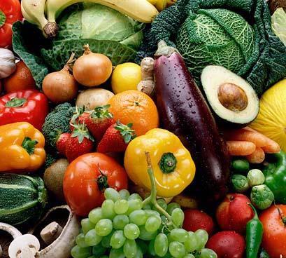 Ну а свежие фрукты и овощи, как и столовая вода в больших (но в грамотно подсчитанных, согласно норме) количествах, как раз поспособствуют установлению нормально pH-баланса!