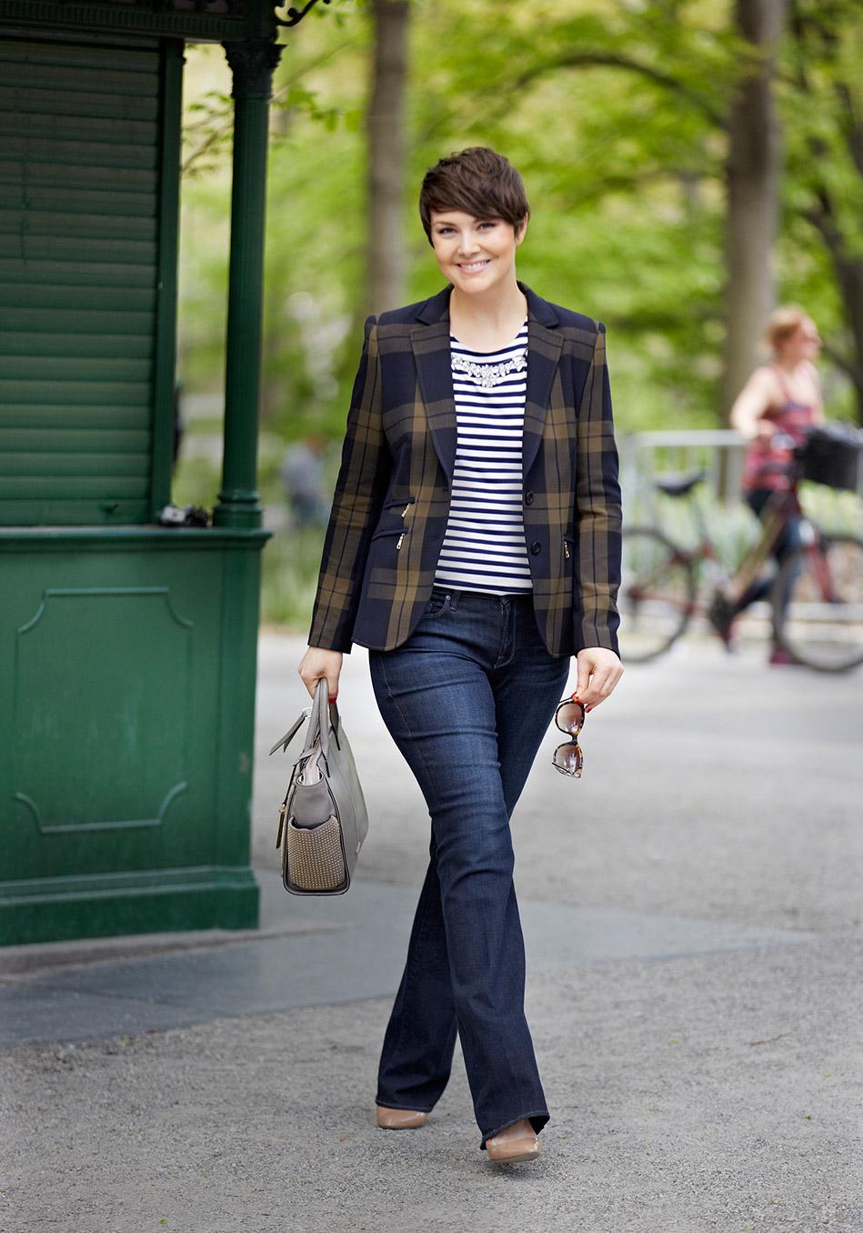 Правильные джинсы – они как магия: ноги выглядят длиннее, бедра уже