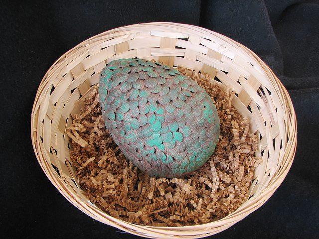 Как сделать натуралистичное драконье яйцо из «Игры престолов» своими руками