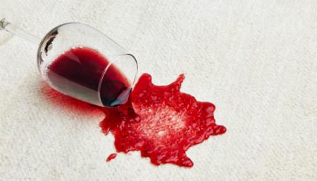 Белое вино от пятен от красного вина