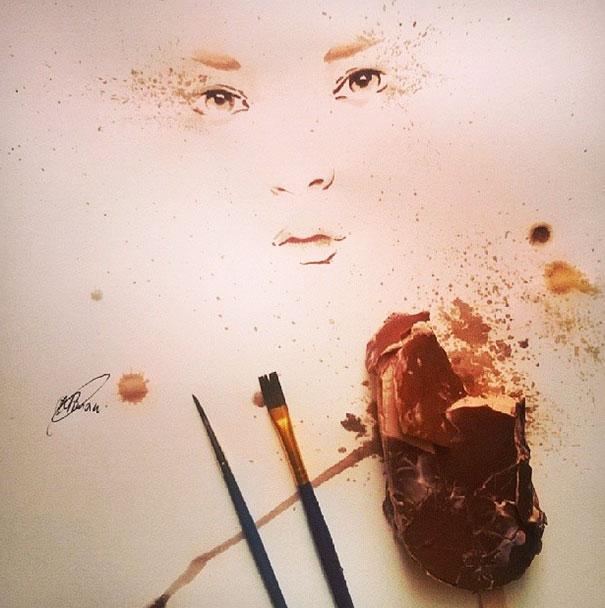 Осман Тома (Othman Toma) рисует шедевры подтаявшим мороженым девушка
