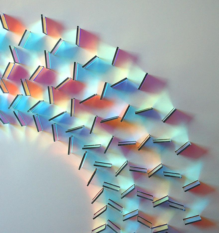 Художник Крис Вуд (Chris Wood): абстрактные картины-инсталляции в стиле мандалы из света и стекла