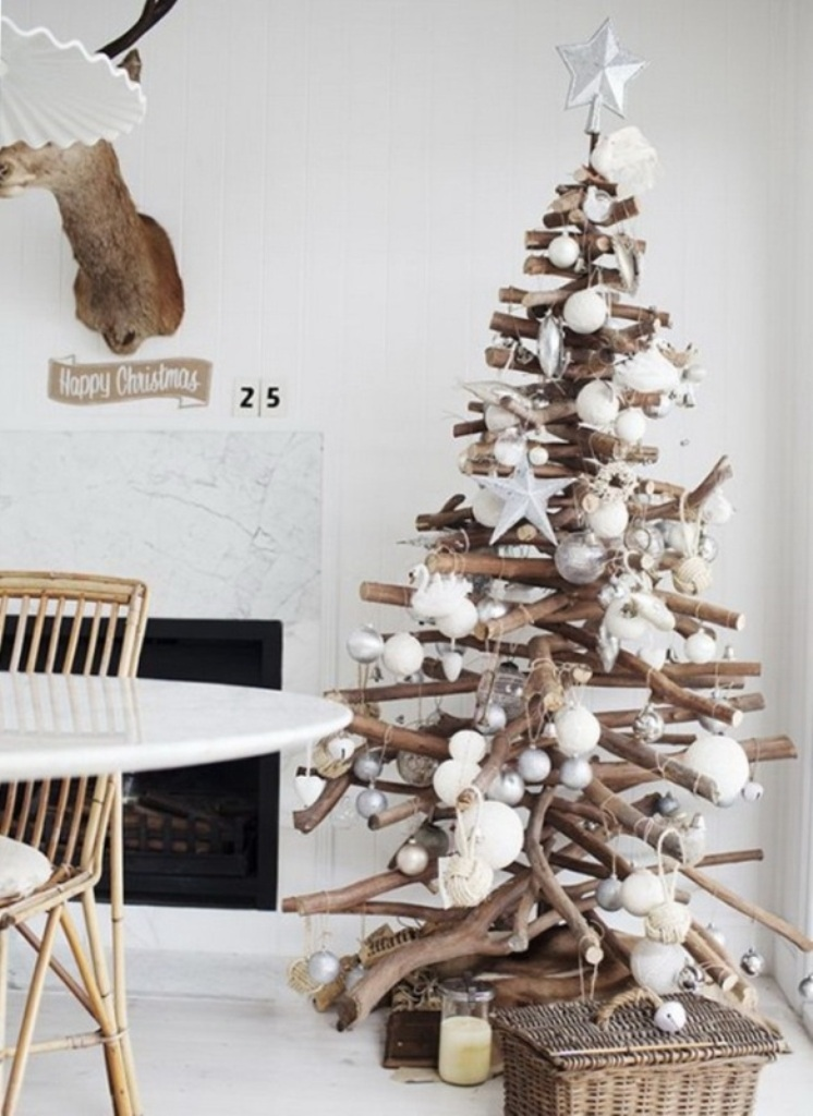 Ну и, конечно, экостиль - это и новогодние елки из других материалов