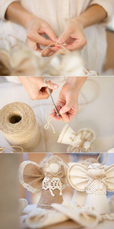 А вот это уже усложненная елочная игрушка: ангел из ткани и натуральной веревки