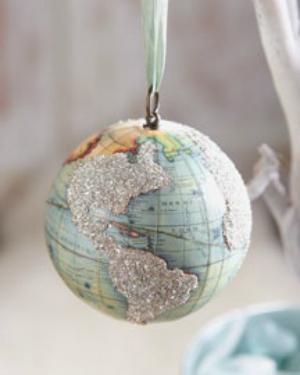 Сложные елочные игрушки из бумаги: глобус на шаре