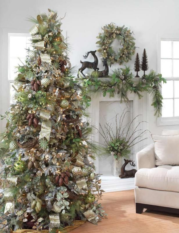 А здесь шишки покрашены мебельным лаком с благородным оттенком красного дерева и собраны в грозди