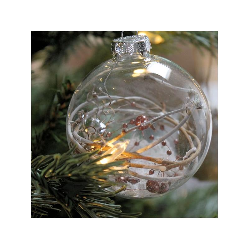 Также натуральные элементы можно вкладывать в прозрачные пластиковые и стеклянные шары